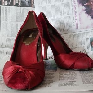👠MaxStudio Vintage Retro Red Velvet Pumps👠